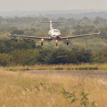 Chilo_small_aircraft_landing